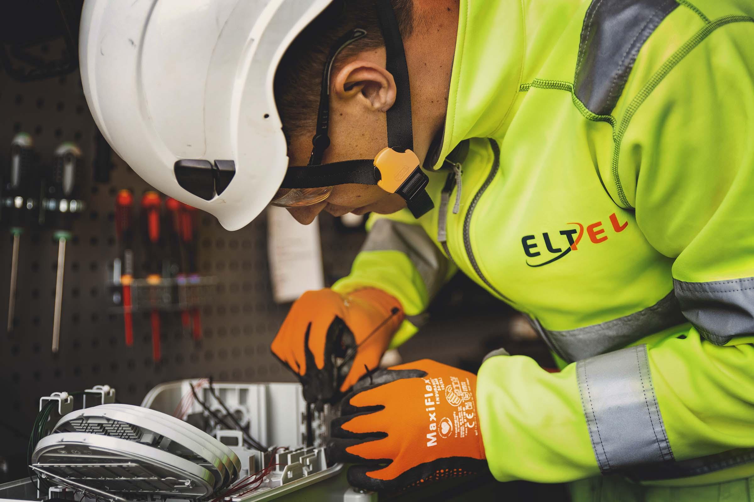 Eltel_elektriker